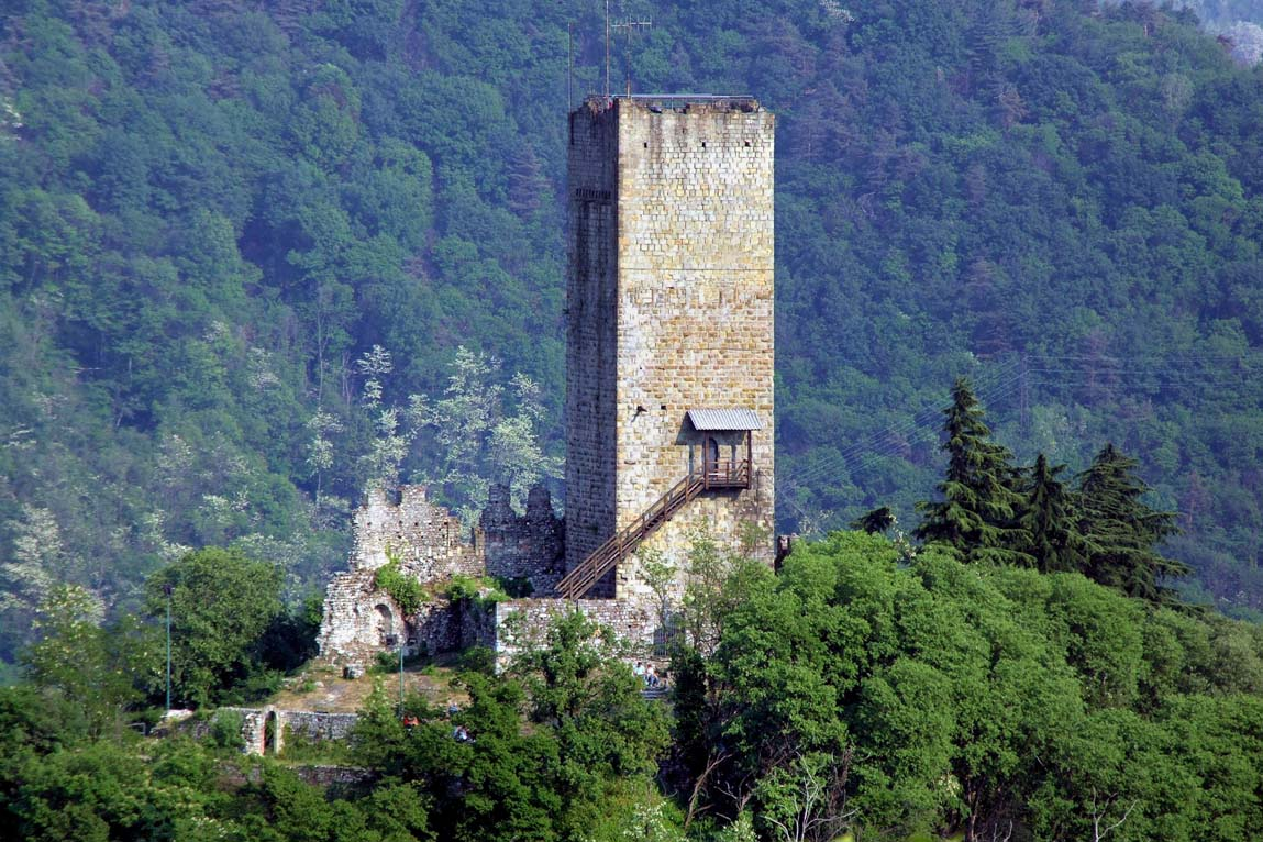 CastelBaradello